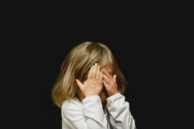 criança chorando